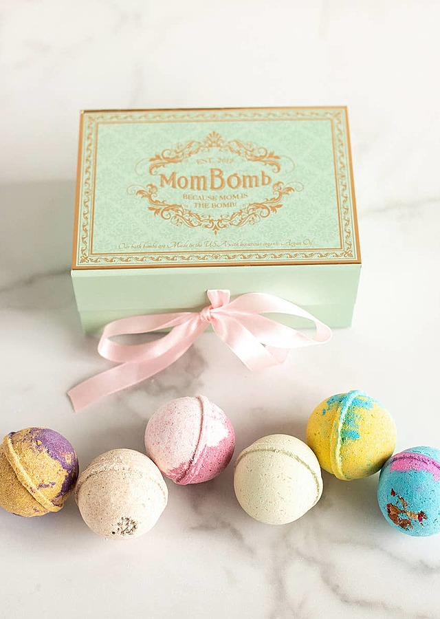 Display of Bath Bombs Gift Set by The Flower Alley