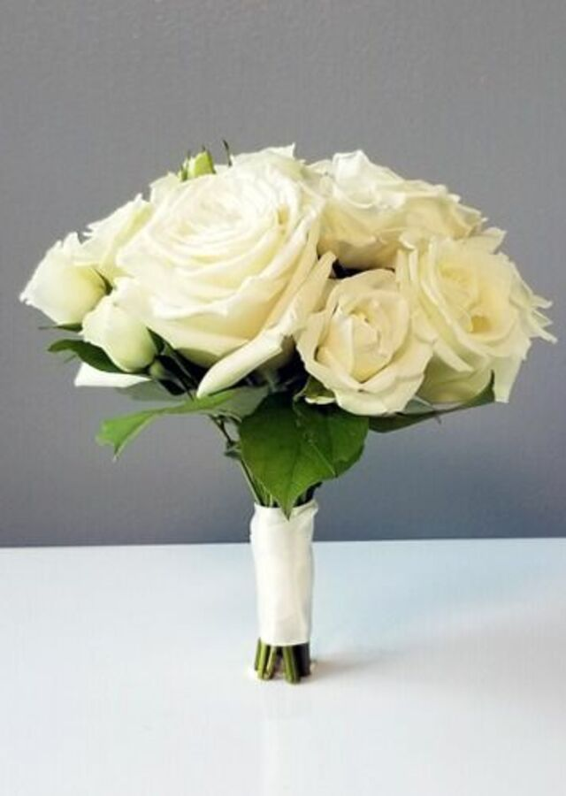 Display of Classic Roses: Small Bouquet by The Flower Alley