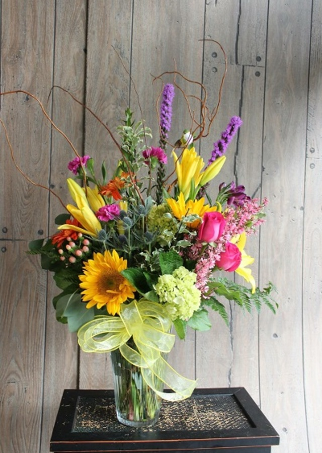 Display of Farm Fresh Bouquet : Seasonal by The Flower Alley