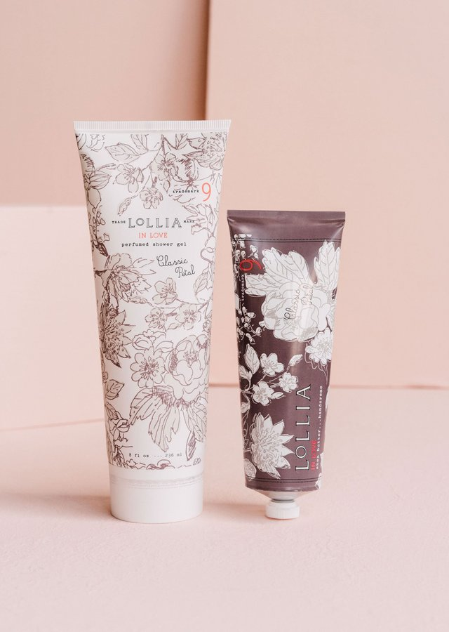 Display of In Love Shower Gel & Handcreme Duo by The Flower Alley