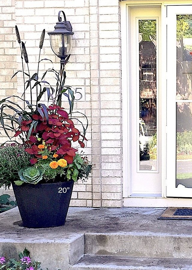 "Seasonal Porch Pot Subscription (20"") by The Flower Alley"