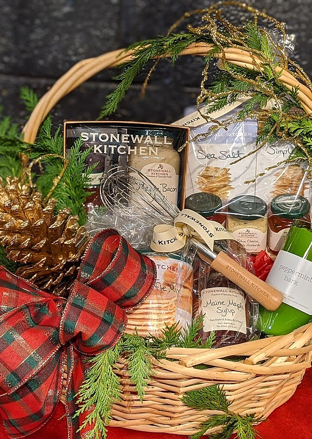 Display of Stonewall Kitchen Deluxe Gourmet Basket by The Flower Alley