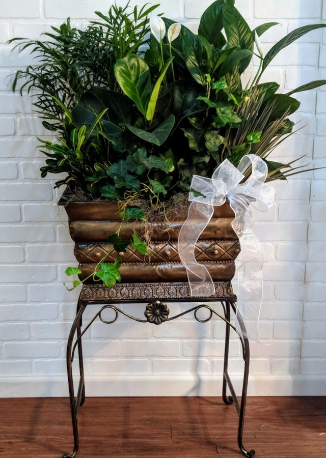 Display of Ultra Premium Floor Stand Planter by The Flower Alley
