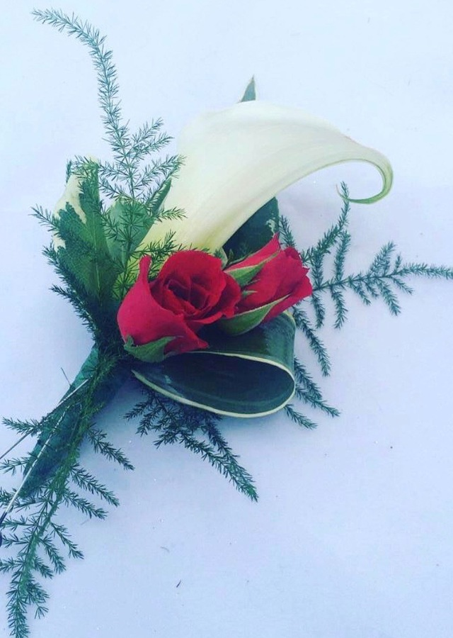 Display of White Calla Lily with Red Rose Bout by The Flower Alley