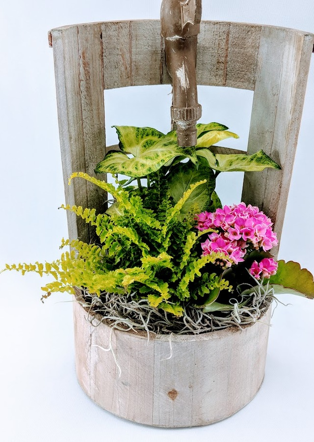 Enchanted Garden Wishing Well Planter The Flower Alley